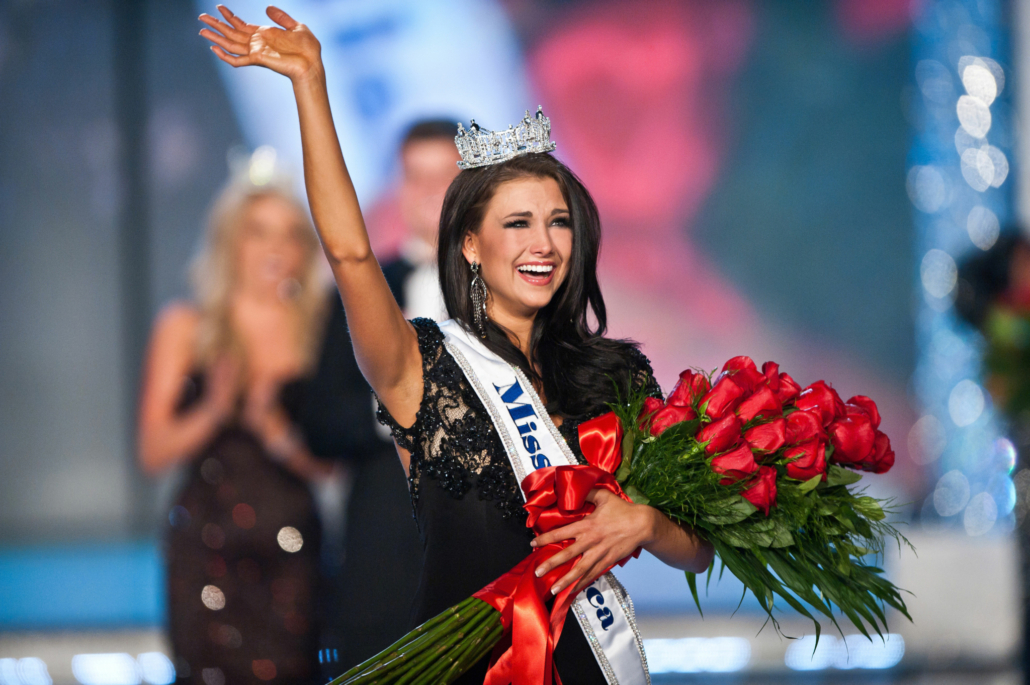 Laura-Kaeppeler-Miss-America-2012-2048x1363
